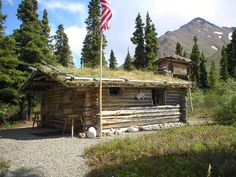 Tiny Log Cabins, Small Log Cabin, Little Cabin, Cabins And Cottages, Man In The Wilderness, Dream Recipe, How To Build A Log Cabin, Mansion Designs, Northern Exposure