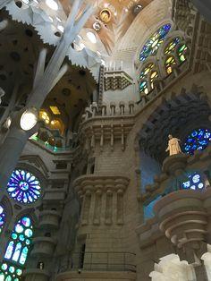 La Sagrada Familia #AntoniGaudi #architecture #interiors #architecturaldetail