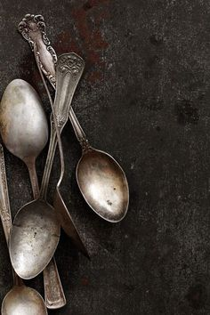 The spoons were rusted. But to carve out someone's eye, the fact seemed pointless.