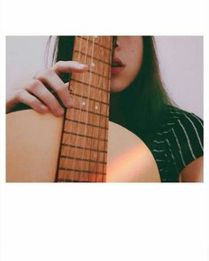 Musik Bilder Fotografie Instrumente spielt Super Ideen Source by Teenage Girl Photography, Girl Photography Poses, Tumblr Photography, Ukulele Art, Music Guitar, Ukelele, Music Music, Poses For Pictures, Music Pictures