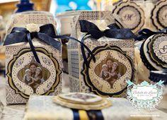 Festa de Aniversário Personalizada com o tema Azulejo Português. #Personalizados: Bibelô de Luxo by Glau Sumi Zen #DecoraçãoPersonalizada: Bibelô de Luxo by Glau Sumi Zen Bibelô de Luxo by Glau Sumi Zen - Festas Personalizadas www.bibelodeluxo.com.br | www.facebook.com/BibelodeLuxo  #Fotos: Alê Riemer | www.aleriemer.com.br