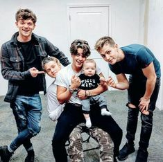 Find images and videos about the vamps, james and Connor on We Heart It - the app to get lost in what you love. Bradley Simpson, Bradley The Vamps, Declan Mckenna, George Ezra, Will Simpson, New Hope Club, Pop Rock, 1d And 5sos, Celebs