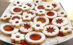 Vánoční cukroví bezpodmínečně patří na sváteční stůl. Máme pro vás 5 nejoblíbenějších receptů, bez kterých se Vánoce neobejdou! Slovak Recipes, Czech Recipes, Russian Recipes, Meringue Cookies, Cookie Icing, No Bake Cookies, Christmas Cookies, Czech Desserts, My Favorite Food