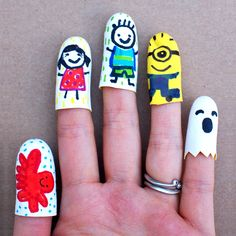 mollymoocrafts.com - Super Easy Finger Puppets