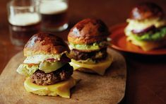 Chef James Martin shares his amazing burger recipe, served in a brioche bun with homemade mayonnaise and cheese Amazing Burger, Good Burger, James Martin Saturday Kitchen, Chef James Martin, Pork Burgers, Hamburgers, Onion Burger, Come Dine With Me, Tv Chefs