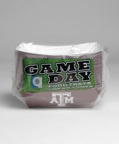 These maroon disposable paper food trays are perfect for parties and tailgates. Perfect for nachos, hotdogs, chilli or any other tailgating food each tray measure 8 long by 6 wide by 2.5 inches tall. The long sides are maroon with a white block ATM and the ends are white with a maroon lonestar logo. 50 per pack. Aggie Game, Aggie Football, Football Season, Tiffany Wedding, Food Trays, Texas A&m, Game Day Food, Baby Birthday, Party Themes