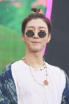 Summer Music Festivals, Win My Heart, Busan, Yg Entertainment, Debut Album, Round Sunglasses, Fandoms, Kpop, Live