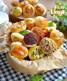 Sweet Recipes, Snack Recipes, Cooking Recipes, Food N, Food And Drink, Roti Bread, Bread Maker Recipes, Healthy Snacks, Easy Meals