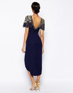 Imagen 2 de Vestido a media pierna con parte delantera cruzada y hombros con adornos Julisa de Virgos Lounge