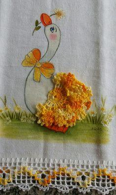 How to Crochet Wave Fan Edging Border Stitch - Crochet Ideas Crochet Bunny, Love Crochet, Learn To Crochet, Crochet Flowers, Crochet Edging Patterns, Crochet Borders, Learn Embroidery, Ribbon Embroidery, Crochet Crafts