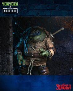 #NECAToys 31 Nights of Fright Reveal - Universal Monsters x Teenage Mutant Ninja Turtles Leonardo as Ygor the Hunchback #31nightsoffright #31nightsofhalloween #halloween #turtletuesday #tmnt #universalmonsters #neca #actionfigures