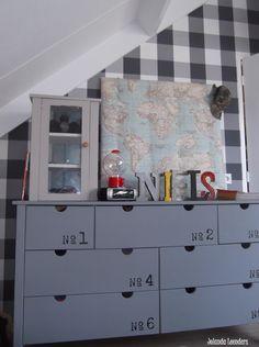 leuke ideeën voor een stoere jongenskamer Ikea Hackers, Crazy Kids, Kidsroom, Boy Room, Kids Bedroom, Man Cave, Painted Furniture, Lockers, Sweet Home