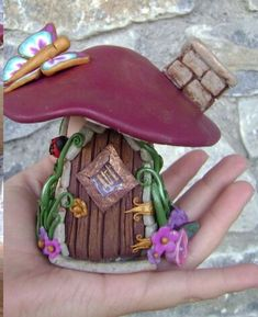120 Easy And Simply To Try DIY Polymer Clay Fairy Garden Ideas. Polymer clay is a clay like material made from polyvinyl chloride (PVC), plasticizer and pigment. It is available in many colors and bra. Fimo Polymer Clay, Polymer Clay Projects, Polymer Clay Creations, Clay Crafts, Clay Fairy House, Fairy Houses, Clay Fairies, Flower Fairies, Fairy Garden Accessories