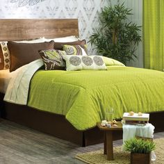 Ikal Lime Green Comforter Set is full of texture and will definitely brighten your room. Stuffed 100% polyester Fabric 50% polyester / 50% cotton QS Comforter Set includes: 1 Comforter 84,65 inch x 90