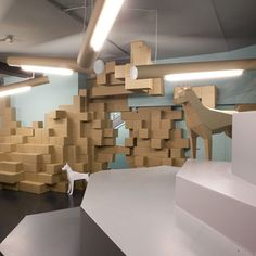 More cardboard! Peter Masters of Burnt Toast Designs has designed the interior for a menswear shop in Manchester, UK, using recycled cardboard boxes and tubes. For the interior of Smithfield menswear, Masters wanted to create a striking, affordable and sustainable design that could be easily changed. The cardboard dogs are inspired by the shop's logo. …