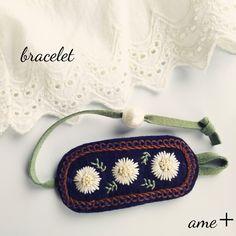 【展示品】白いお花 刺繍ブレスレット