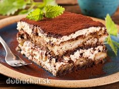Tiramisu - The delightful tiramisu recipe with sponge Rngers soaked in coffee, layered around and smeared with a creamy mascarpone mixture. The word 'tiramisu' in Italian means 'pick-me-up'. Owing to its caffeine kick it sure does! Just Desserts, Delicious Desserts, Yummy Food, Sweet Recipes, Cake Recipes, Dessert Recipes, Yummy Treats, Sweet Treats, Eat Dessert First