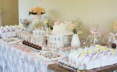 Chá de bebê, baby shower, it's a girl, mesa de doces, dessert table, candy colors.