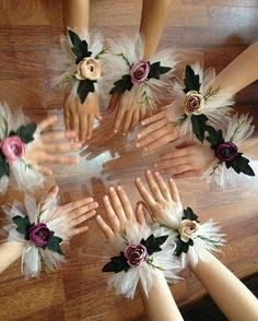 Harika organizasyon bileklikleri �� Hertürlü organizasyonda kullanın, farklılığınızı ve şıklığınızı gösterin �� Nedime bilekliği, gelin bilekliği, düğün foto bilekliği... nerede nasıl kullanacağınız sizin hayal gücünüze kalmış �������� #nedimebilekliği #nedime #taç #tac #düğün #nişan #söz #hazırlık #nikahşekeri #nikah #nikahsekeri #lohusaterligi #loğusatacı #organizasyon #çiçek #gelincicegi #gelinelçiçeği #gelin #düğün #nişanhazırlıkları #düğünhazırlıkları #kina #bileklik…