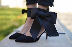 When I first laid my eyes on these gorgeous bow heels by Aminah Abdul Jillil , I knew that I wanted to recreate a version for the blog. They...