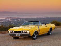 1968 Oldsmobile 442 Yellow Convertible