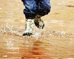 SPLASH! #toddler #kids #rain #puddles