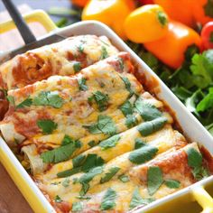 The Best Vegetable Enchiladas Vegetable Enchiladas: cheesy vegetarian enchiladas are stuffed with tons of vegetables and are wrapped in a flavorful five minute homemade enchilada sauce! Homemade Enchilada Sauce, Homemade Enchiladas, Enchilada Recipes, Homemade Sauce, Best Veggie Enchilada Recipe, Vegetarian Enchilada Casserole, Casserole Recipes, Vegetarian Recipes Videos, Best Mexican Recipes