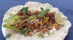 Hjemmelagde tortillalefser med svinekjøtt og enkel salsa
