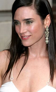 Jennifer Connelly during Jennifer Connelly Visits the 'Late Show With David Letterman' June 30 2005 at Ed Sullivan Theatre in New York City New York. Jennifer Connelly, Jennifer Aniston, Diane Lane Movies, Kate Maberly, Eliza Bennett, Sienna Guillory, Sarah Lancaster, Claire Forlani, Fotografia