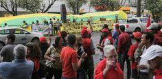 Galdino Saquarema Noticia: Manifestantes pró e contra Lula entram em confronto em BH
