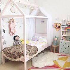 Детская кровать домик: 10 восхитительных моделей для девочек и мальчиков