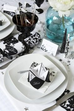 Black and white Elegant style