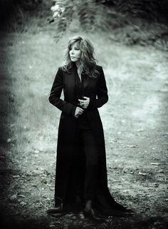 Shooting (2015) - Galeries photos - MonAlice - Mylène Farmer Paris Match, Julia Roberts, Brigitte Bardot, Portrait Photo, Music Artists, Singer, Celebrities, Image, Beautiful