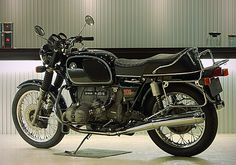 BMW R90 - exactly like the one i had in college, only mine was blue, wish i had never sold it