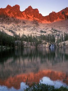 sawtooth mountains idaho. And I have this hanging in my office!