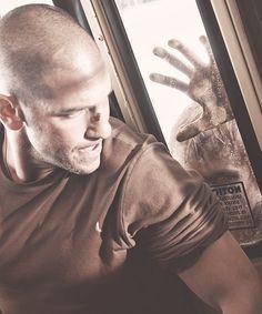 Shane on the bus #thewalkingdead