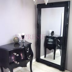 Piękne, czarne lustro | Beautiful, black mirror. #lustro #barok #meble #czarny #stylowe #mirror #baroque #furniture #black #stylish #decor