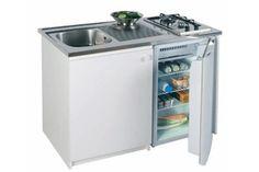"""Kitchenette """"Prenium """" équipée d'un réfrigérateur, d'un évier et d'une plaque de cuisson 2 feux et un meuble de rangement, L 80 x P 60 x H 91cm. 645 euros, Franke"""