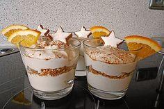 Mascarpone cream with cinnamon stars from Winter Deserts, Winter Food, Köstliche Desserts, Dessert Recipes, Dessert Cups, Panna Cotta, Food And Drink, Pudding, Cooking Recipes