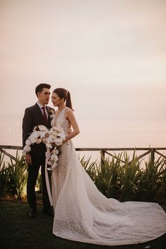 An All-White Dreamy Cliff-Top Garden Wedding at Khayangan Estate, Uluwatu - The Wedding Notebook magazine Wedding Vows, Our Wedding, Wedding Notebook, Bridal Gowns, Wedding Dresses, Wedding Entertainment, Wedding Catering, All White, How Beautiful