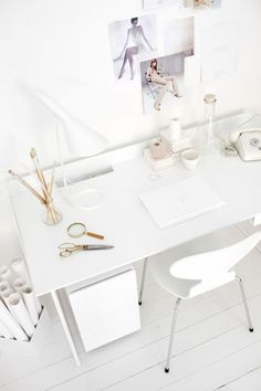 All white desk | Abstracta