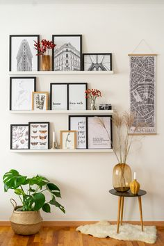 Fotowand gestalten - 5 Tipps & kreative Ideen 5 tips and creative ideas for designing a picture wall Decoration Hall, Decoration Bedroom, Boho Bedroom Decor, Diy Living Room Decor, Diy Home Decor, Picture Wall, Photo Wall, Diy Y Manualidades, Little Girl Rooms