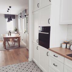Country Kitchen Designs, Kitchen Room Design, Ikea Kitchen, Living Room Kitchen, Interior Design Kitchen, Small Modern Kitchens, Home Kitchens, Custom Kitchen Cabinets, Scandinavian Kitchen