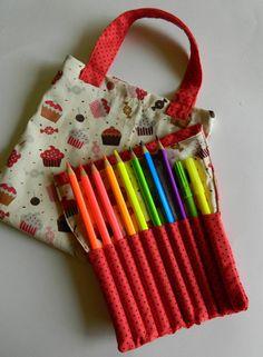 Clubinho da Costura: 15º Desafio - Projeto Dia das Crianças | Estojo de lápis de cor PAP