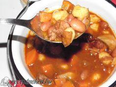 Ez nekem is tutira a kedvenceim közé kerülne! Goulash Soup, Stew, Hungarian Recipes, World Recipes, Chana Masala, Pot Roast, Healthy Lifestyle, Grilling, Food And Drink