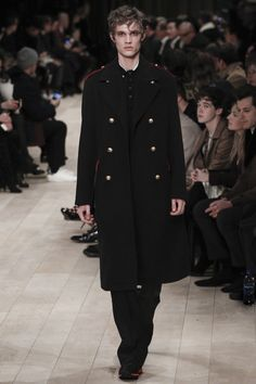 Fall 2016 Menswear Trends Burberry