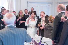 Anstossen auf das Brautpaar