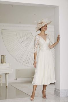 Wedding Hats, Wedding Gowns, Wedding Outfits, Wedding Ideas, Bride Groom Dress, Bride Dresses, Mother Of Bride Outfits, Mother Of The Bride Gown, Floaty Dress