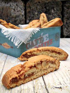 biscotti tagliati con confettura di fichi