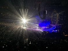 #who wants to #liveforever? #Queen #AtlanticCity pic.twitter.com/Xj4sACF7xP
